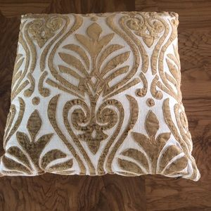 """💎🆕Pier One 16"""" x 16"""" linen and velvet pillow"""